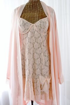 8323efa980 Morgan Taylor Peach Robe Married With Inner Secret s Spandex Lace Nightgown  NOS Large