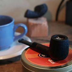 Pipes And Cigars, Smoking Pipes, Old Tools, Haberdashery, Real Man, Men's Fashion, Carving, Classy, Smoke