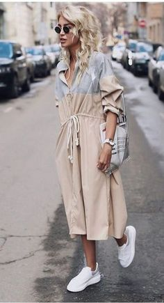 Nadire Atas on Street Fashion Week Fabulous Fall Fashion Trends Clothing For Women; Fall outfits New fall outfits casual outfit; Look Fashion, Trendy Fashion, Fashion Outfits, Womens Fashion, Feminine Fashion, Trendy Style, Fashion Clothes, Latest Fashion, Fashion Art