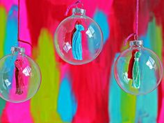 Colorful Bohemian-Style Christmas Decorations >> http://www.diynetwork.com/decorating/colorful-bohemian-style-christmas-decorations/pictures/index.html?soc=pinterest