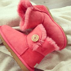 pink bailey button uggs.