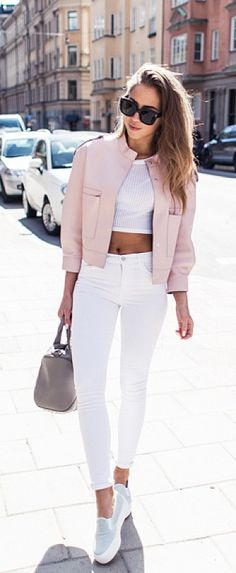 Pink jaket + white crop top,skinny white jeans – New York Fashion New Trends Mode Outfits, Casual Outfits, Fashion Outfits, Fashion Trends, School Outfits, Fashion Clothes, Dress Fashion, White Outfits, Sneakers Fashion