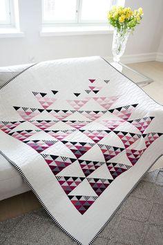Scandinavian Quilt design. Fly away quilt pattern. Modern quilt pattern download.