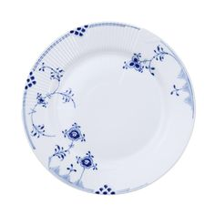 Royal Copenhagen is now launching a new tableware series based on the Elements platform. Elements already exist in white and in colour, and now also in the clas Royal Copenhagen, Copenhagen Denmark, Modern Floral Design, Royal Blue Color, Cobalt Blue, Blue Plates, China Patterns, Salad Plates, White Porcelain
