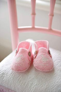 Pattern for felt baby booties with cros stitch design Felt Booties, Felt Shoes, Baby Bootees, Go Pink, Pink Slippers, Felt Baby, Cross Stitch Baby, Heirloom Sewing, Baby Steps