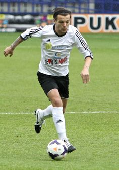 One Direction Shows Off Major Skills in Charity Soccer Game for Irish Autism Action!: Photo Harry Styles takes a few minutes to warm up before a charity soccer game held at King Power Stadium on Monday (May in Leicester, England. I Love My Son, First Love, One Direction Louis Tomlinson, Cher Lloyd, Just Jared, Soccer Games, Louis Williams, Trending Topics, Liam Payne