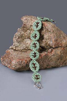 Ravelry: Overlapping Basic Leaf Crochet Bracelet pattern by The Perfect Knot