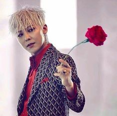 G-Dragon Reportedly Earned Over KRW Billion from Royalties in the Past Year Bigbang G Dragon, Gd Bigbang, Daesung, G Dragon Cute, G Dragon Top, Pop Music Artists, Gd And Top, Choi Seung Hyun, Ji Yong