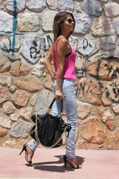 Top - H+M (SS 12)  Jeans - Bershka (old)  Sandalias/Sandals - Mango (SS 12)  Bolso/Bag - Zara (old)