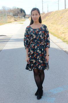 Habe ich schon mal erwähnt, dass ich französische Schnittmuster liebe? Sie sind feminin, elegant, aber gleichzeitig lässig und ein wenig verspielt. Mein erstes Frühlingsprojekt (auch wenn es noch ein paar Wochen dauert) ist daher Robe Niki geworden - ein Kleid des französischen Schnittmusterlabels Maison Fauve. Cold Shoulder Dress, Elegant, Casual, Handmade, Dresses, Fashion, Dress, Shoulder Dress, Couple