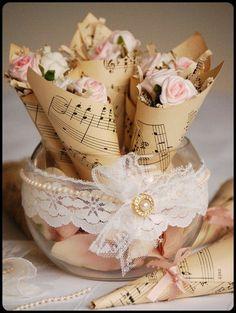 Musical tussie mussies