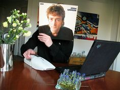 Trick Photography with album covers. John Lennon =)