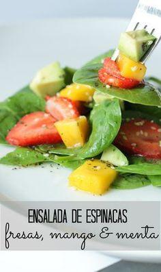 Ensalada de espinacas, fresas, mango y menta