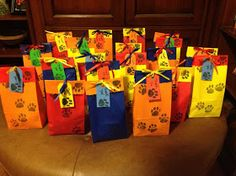 Pretty Things by Design: Paw Patrol goodie bags 2 Birthday, Puppy Birthday, 4th Birthday Parties, Birthday Ideas, Paw Patrol Birthday Theme, Paw Patrol Party, Fete Emma, Puppy Party, Party Packs