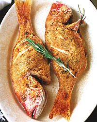 Whole fish recipes include stuffed whole salmon, whole grilled fish and salt-baked fish. Plus more whole fish recipes. Grilled Seafood, Grilled Fish, Baked Fish, Grilled Salmon, Whole Snapper Recipes, Whole Fish Recipes, Grilling Recipes, Wine Recipes, Seafood Recipes