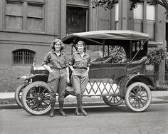"June 13, 1922. Washington, D.C. ""Viola LaLonde and Elizabeth Van Tuyl."" National Photo Company glass negative."