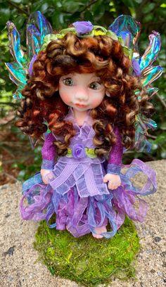 Indoor Fairy Gardens, Magical Images, Fairy Figurines, Fairy Art, Fairy Dolls, Pixies, Fantasy Creatures, Faeries, Amazing Art