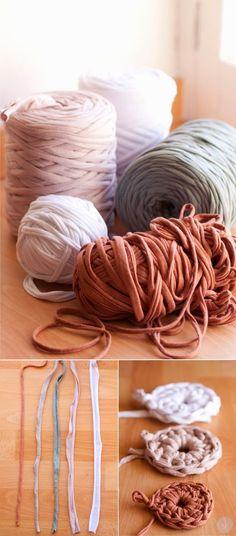 Trucos y Atajos para Tejer con Trapillo - Tutorial en Español aquí: http://sweetandknit.blogspot.com.es/2014/08/trucos-y-atajos-para-tejer-con-trapillo.html