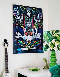 Ein Bild mit einem farbenfrohen Straßenkunstmotiv von Elle aus den USA.
