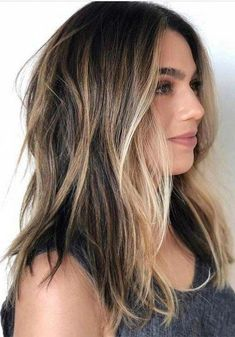 Amazing Balayage Ombre Hair Color Shades in Year 2019 Best ever shades and highlights of balayage ombre hair colors for long and medium length haircuts in We have created here a list of best balayage hair colors that can be used by every woman to sport in Bronde Hair, Brown Hair Balayage, Brown Blonde Hair, Hair Color Balayage, Hair Highlights, Brunette Ombre Balayage, Men Balayage, Brunette With Blonde Highlights, Hair Color Ideas For Brunettes Balayage