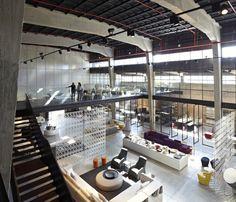 Galeria de A Casca e seu Conteúdo – Showroom Italia B&B / Pitsou Kedem Architects - 12