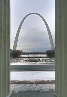 Old Courthouse, Jefferson National Expansion Memorial, in Saint Louis, Missouri - view of Gateway Arch between columns