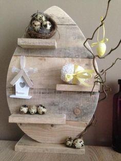 Dcoratieve #wandplanken van steigerhout in model van een ei.  paasei van hout, wandpaneel ei van #sloophout.
