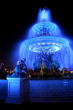 Fountain that has been dyed Royal Blue to honor the Royals baseball team, Kansas City