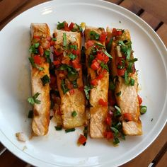 Simple yet healthy lunch. Pan seared salmon with diced red bell peppers and cilantro.  #salmon #fish #lunch #organicfood #healthyfood