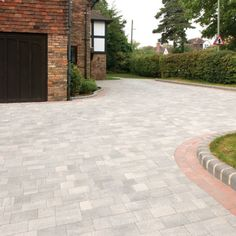 Beta - 60 MM Thick - Available in Five Single Size Packs Front Garden Ideas Driveway, Modern Driveway, Front Yard Garden Design, Driveway Design, Driveway Landscaping, Backyard Patio Designs, Grey Block Paving, Block Paving Driveway, Walkway