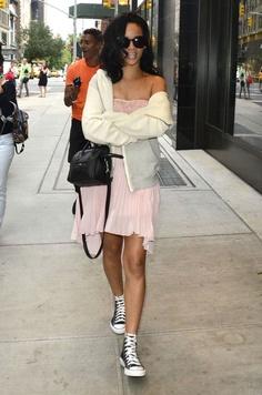 fc94a269ea73 Rihanna wears Converse Chuck Taylor All Star Celebrities Exposed