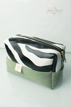 "Kosmetiktasche ""Zebra"", Kulturtasche, vegan // cosmetic bag ""zebra"", make up bag, wash bag, vegan von byJadaDesigns auf Etsy"