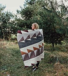 The #BaysideQuilt pattern is dropping in one week! The instructions will include a video tutorial on how to cut templates, so if you've never cut templates before, nows the time!