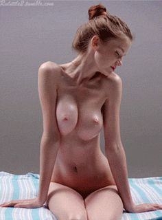 STRETCH - Emily Bloom / Hegre-Art