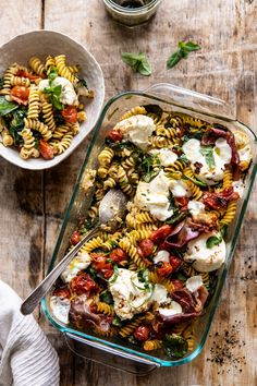 Caprese Pesto Pasta Bake - My list of the most healthy food recipes Vegetarian Recipes, Cooking Recipes, Healthy Recipes, Cooking Ham, Easy Cooking, Pesto Pasta Bake, Caprese Pasta, Pesto Pasta Recipes, Chicken Recipes