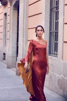 Vestidos, accesorios y tocados para boda y eventos. En El Armario de  Marieta te ayudamos a encontrar el look ideal para ser la invitada perfecta
