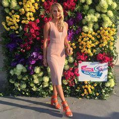 Elyse Knowles Spring Racing 2015 .png