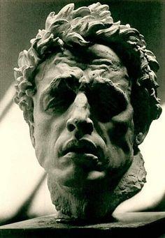 Arno Breker (19 de julio de 1900 – 13 febrero de 1991)