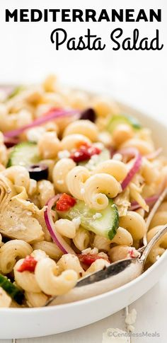 Mediterranean Pasta Salad is a healthy, cool, and refreshing dish tossed in a simple Greek vinaigrette. It's the perfect meal for a hot summer day or to bring as a side to your next barbecue. Slaw Recipes, Cookbook Recipes, Pasta Recipes, Dinner Recipes, Cooking Recipes, Healthy Recipes, Mediterranean Pasta Salads, Mediterranean Diet Recipes, Loaded Baked Potato Salad