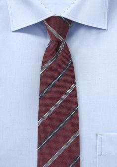Herrenkrawatte streifengemustert bordeaux Burgundy Tie, Shades Of Burgundy, Shades Of Red, Wool Tie, Oxblood, Navy Stripes, Red Gold, Autumn Winter Fashion, Gold Chairs