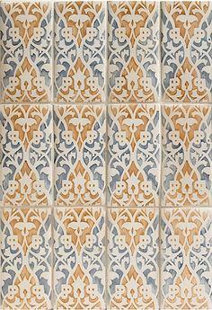 Duquesa Mezzanotte // gorgeous handpainted tiles // Walker Zanger #tile