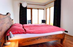 Modern lakás, hálószoba Hálószoba, rokokó bútor     Gerendaágy rusztikus hálószobában     Modern lakás, tágas hálószoba     Modern lakberendezés, nappali