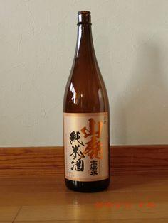 これもまたスッキリ美味い。2,050円 Rice Wine, Whiskey Bottle, Drinks, Rose, Drinking, Beverages, Pink, Roses, Drink