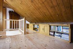 Venkvská chalupa v Českém ráji Deck, Outdoor Decor, Home Decor, Decoration Home, Room Decor, Front Porches, Home Interior Design, Decks, Decoration