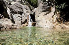 En Corse, les rivières et piscines naturelles ne manquent pas. Nous avons sélectionné pour vous 5 lieux de baignade. A découvrir sans hésiter.
