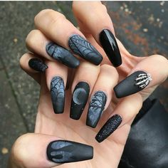 Are you looking for easy Halloween nail art designs for October for Halloween party? See our collection full of easy Halloween nail art designs ideas and get inspired! Halloween Acrylic Nails, Halloween Nail Designs, Halloween Halloween, Halloween Fashion, Halloween Makeup, Halloween Series, Halloween Candles, Halloween Decorations, Halloween Costumes