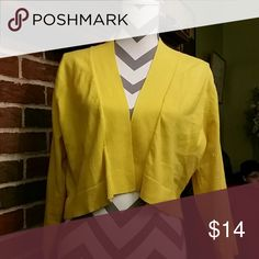 Yellow sweater Cute sweater in great condition Calvin Klein Sweaters