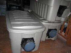 Step-by-step instructions on how to build an insulated winter cat shelter for outdoor or feral cats using plastic totes, Reflectix and straw Feral Cat House, Feral Cat Shelter, Feral Cats, Animal Shelter, Kitten Shelter, Kitty House, Tabby Cats, Kitty Cats, Animal Rescue
