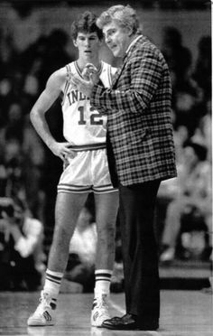 Indiana University basketball player Steve Alford and coach Bobby Knight, back in the plaid jacket days! Indiana Basketball, Basketball History, Basketball Legends, Basketball Players, Soccer, Baseball, Steve Alford, Hoosier Mama, Football