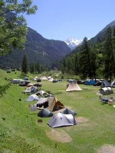 Camping Molignon - Valais - Wallis - Zwitserland | ANWB Camping Places To Travel, Travel Destinations, Places To Visit, Paragliding, Travel Goals, Outdoor Gear, Travel Photos, Netherlands, Beautiful Places